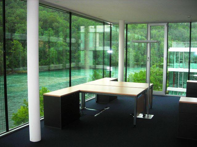 Fanair AG Büroeinrichtungen, Schreibtische