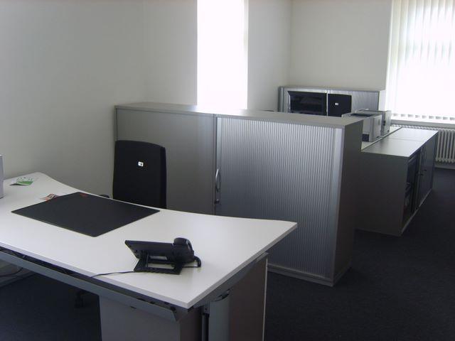 Fanair AG Büroeinrichtungen, Drehstühle, Schreibtische