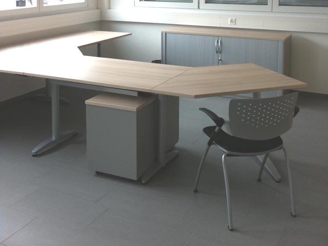 Fanair AG Büroeinrichtungen, Stühle, Schreibtische